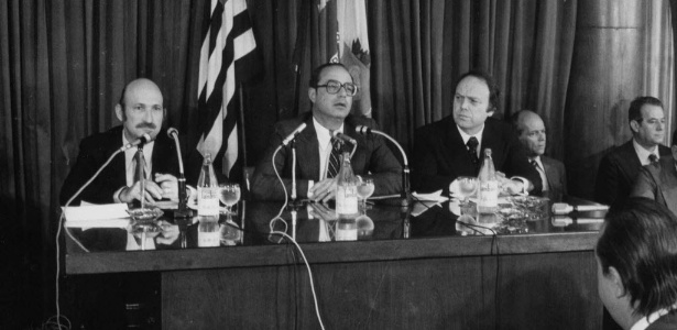 em-1979-o-governador-paulo-maluf-ao-centro-e-o-vice-governador-jose-maria-marin-a-dir-durante-discurso-1365640909225_615x300