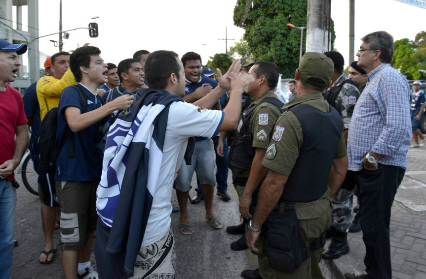 Protesto da torcida Remo na FPF ADV Cristino Mendes-MQuadros (14)