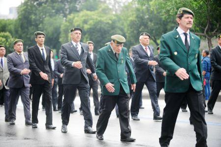 militares_desfile01