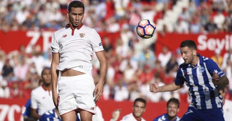 paulo-henrique-ganso-na-partida-do-sevilla-contra-o-alaves-pelo-campeonato-espanhol-1475346191264_956x500