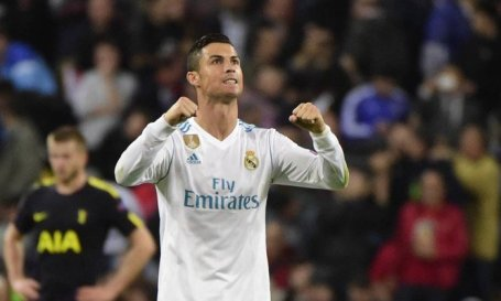 x72589634_FILES-This-file-photo-taken-on-October-17-2017-shows-Real-Madrid27s-Portuguese-forward-C.jpg.pagespeed.ic.ckEzEehqPU