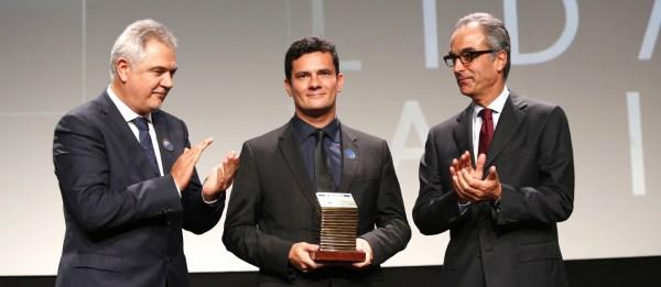 Entrega do Premio faz Diferença as personalidades que se destacaram no ano de 2014