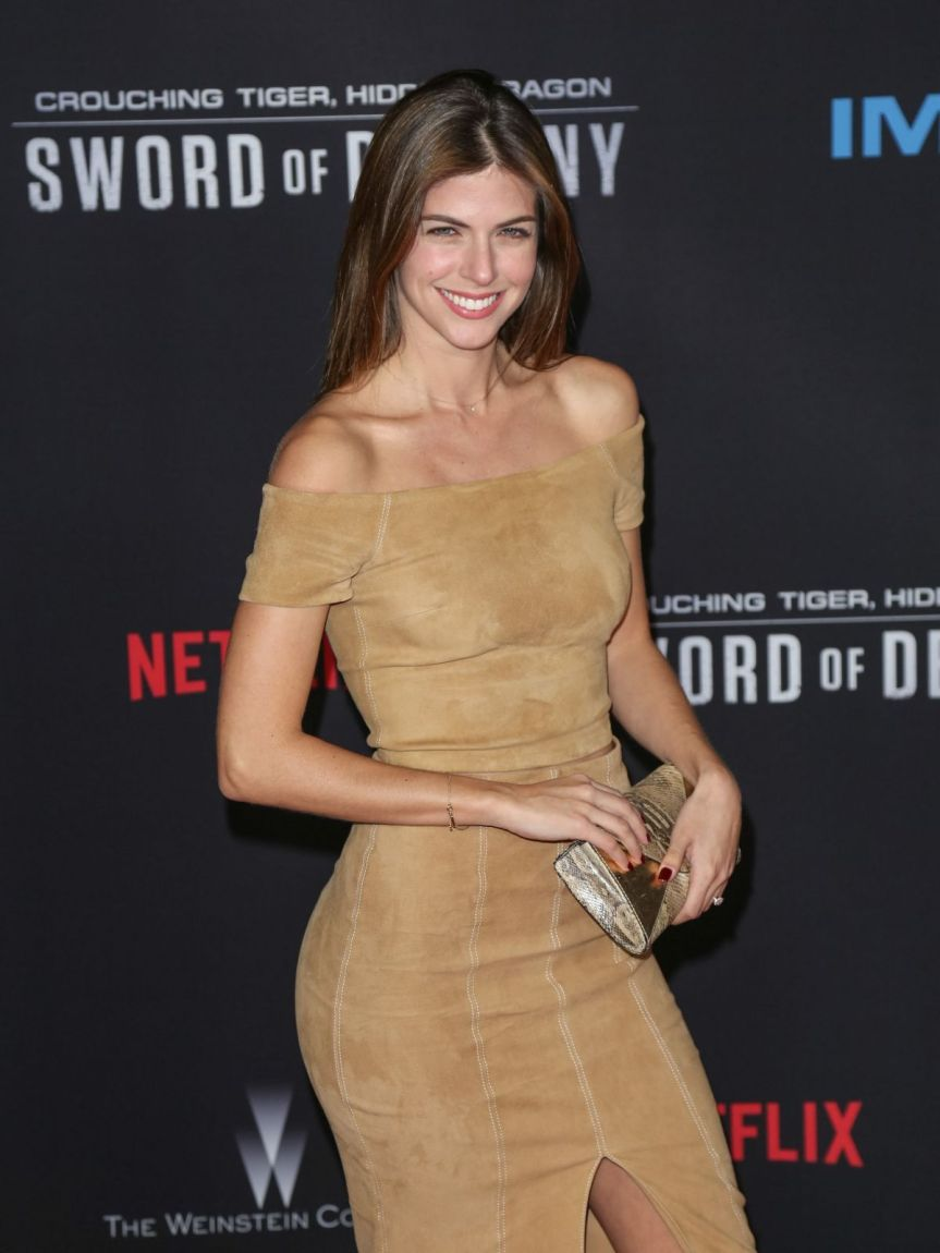 stephanie-cayo-at-crouching-tiger-hidden-dragon-sword-of-destiny-premiere-in-universal-city-02-22-2016_1