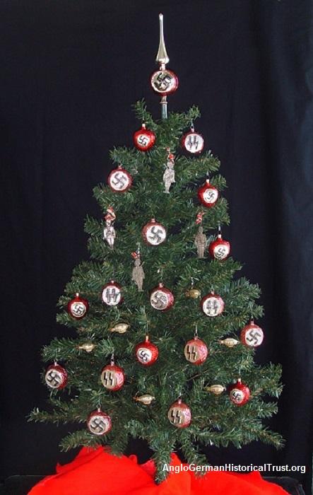 1-Nazi-Christmas-Tree-with-Swastika