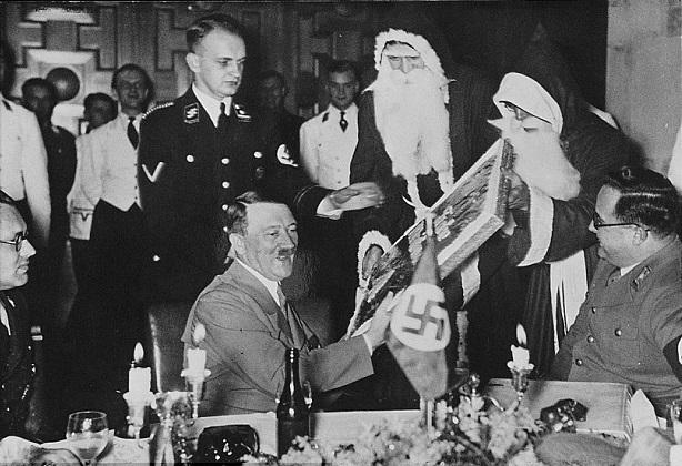 christmas-hitler-2