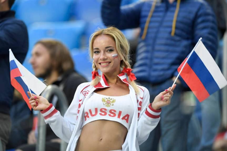 FBL-WC-2018-MATCH17-RUS-EGY-FANS