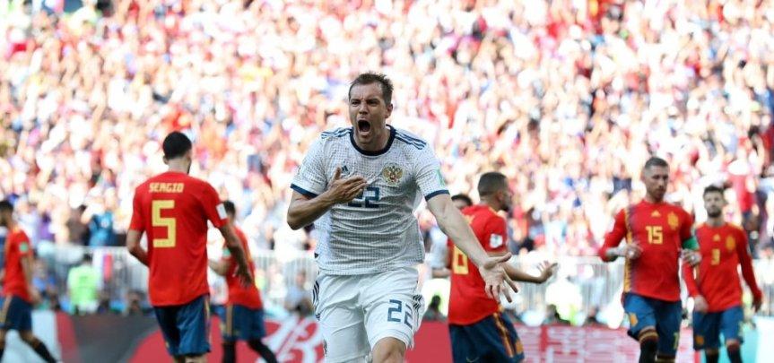 57355,espanha-mantem-tabu-de-nao-vencer-anfitria-e-e-eliminada-pela-russia-nos-penaltis-3