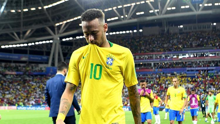 neymar-sai-do-gramado-cabisbaixo-apos-eliminacao-do-brasil-contra-a-belgica-1530907795503_v2_750x421