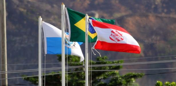 bangu-bandeira-rio-de-janeiro-brasil-1549917669704_v2_615x300