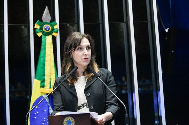 maria-cristina-filha-folha-homenagem-senado-otavio-frias-filho-768x509