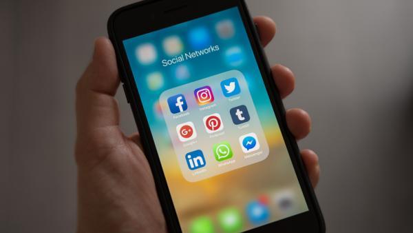 redes_sociais_0