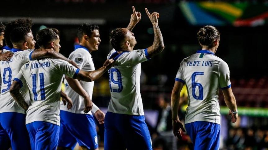 everton-comemora-seu-gol-no-jogo-brasil-x-bolivia-pela-copa-america-1560566661114_v2_900x506
