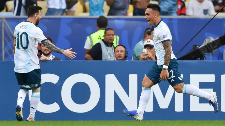 lautaro-martinez-comemora-gol-da-argentina-com-messi-1561750511623_v2_750x421