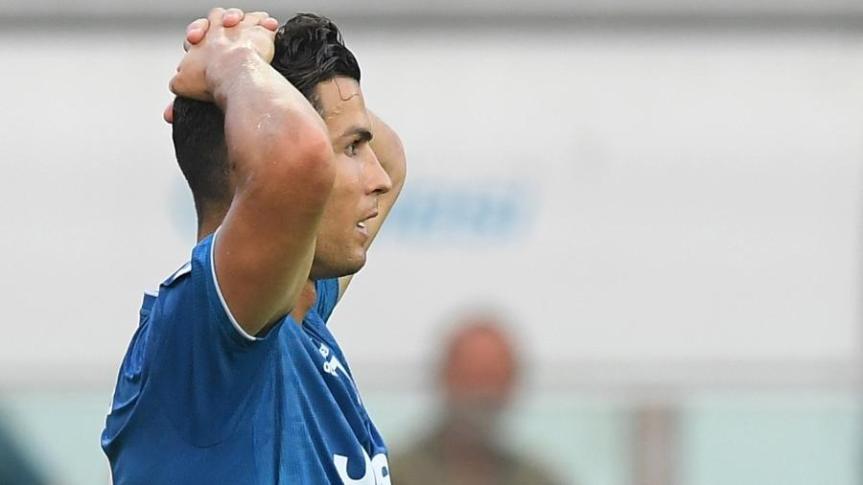 cristiano-ronaldo-teve-gol-anulado-pelo-var-na-partida-entre-juventus-e-parma-1566665665801_v2_900x506 (1)